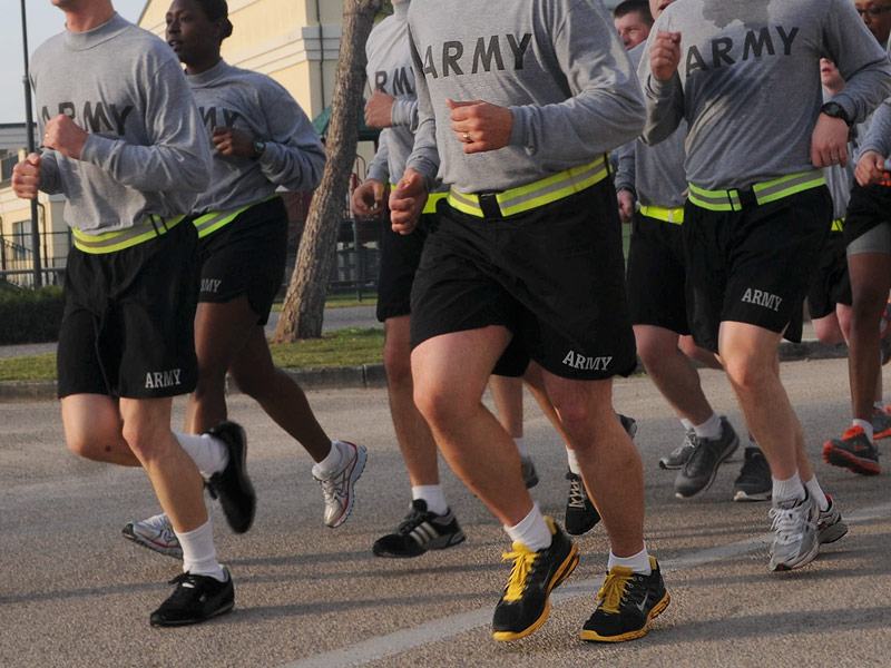 usa_army_soliders_running